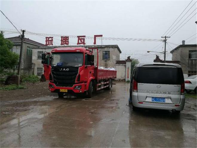 格尔发四缸220马力载货车 实力撩到老司机