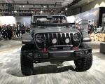 与牧马人同平台 Jeep全新皮卡亮相洛杉矶车展