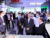 中国首款续航超1000公里液氢重卡亮相世界智能网联汽车大会